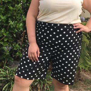 Vintage 90's B&W polka dot shorts // Size 24